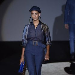 Modelo vaquero de Roberto Verino en Madrid Fashion Week primavera/verano 2015