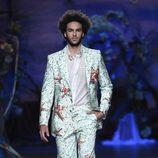 Traje con detalles marinos de Francis Montesinos en Madrid Fashion Week primavera/verano 2015