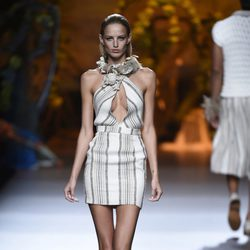 Vestido de rayas de Francis Montesinos en Madrid Fashion Week primavera/verano 2015