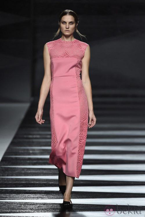 Vestido rosa de Juanjo Oliva en Madrid Fashion Week primavera/verano 2015