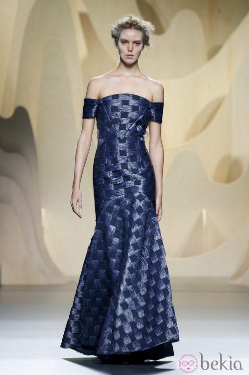 Vestido azul de Ana Locking en Madrid Fashion Week primavera/verano 2015