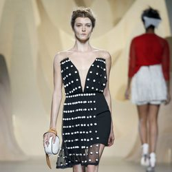 Vestido negro de Ana Locking en Madrid Fashion Week primavera/verano 2015