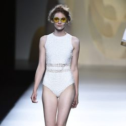 Body blanco de Ana Locking en Madrid Fashion Week primavera/verano 2015
