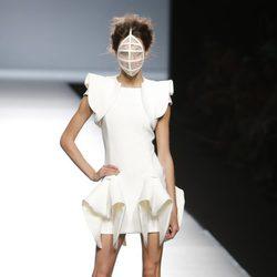 Vestido con volúmen de Maya Hansen en Madrid Fashion Week primavera/verano 2015
