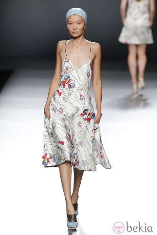 Vestido estampado de Moisés Nieto en Madrid Fashion Week primavera/verano 2015