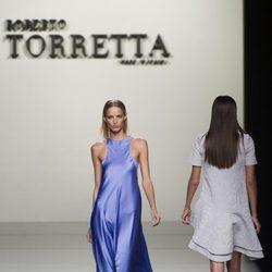 Vestido de satén de Roberto Torretta en Madrid Fashion Week primavera/verano 2015