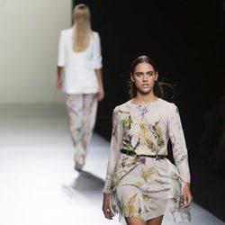 Vestido estampado de Roberto Torretta en Madrid Fashion Week primavera/verano 2015