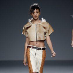 Chaqueta nude de piel de primavera/verano 2015 de Etxeberría en Madrid Fashion Week