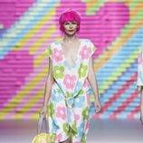 Vestido con flores grandes de Ágatha Ruiz de la Prada en Madrid Fashion Week primavera/verano 2015