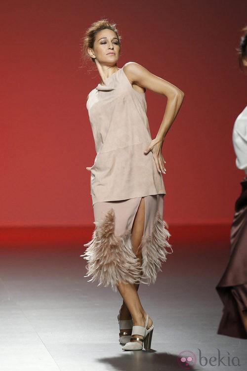 Vestido nude de Duyos en Madrid Fashion Week primavera/verano 2015