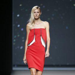Vestido rojo de AA de Amaya Arzuaga primavera/verano 2015 en Madrid Fashion Week