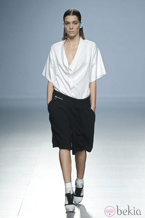 Conjunto black&white de Davidelfin en Madrid Fashion Week primavera/verano 2015