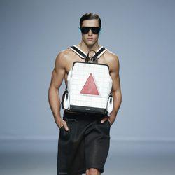 Pantalón negro ancho de Davidelfin en Madrid Fashion Week primavera/verano 2015