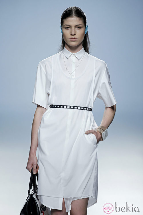Vestido bata blanco de Davidelfin en Madrid Fashion Week primavera/verano 2015