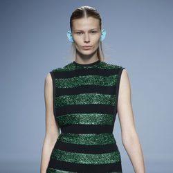 Vestido rayas verdes y negras de Davidelfin en Madrid Fashion Week primavera/verano 2015