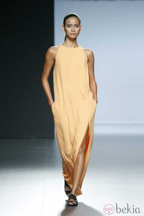 Vestido naranja de Ángel Schlesser en Madrid Fashion Week primavera/verano 2015