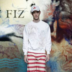 Pantalón marinero rojo de Ion Fiz en Madrid Fashion Week primavera/verano 2015
