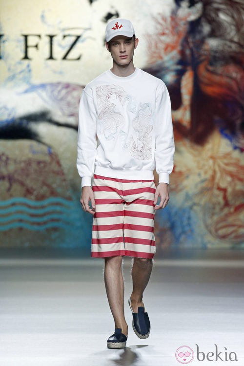 Pantalón marinero rojo de Ion Fiz en Madrid Fashion Week primavera/verano 2015