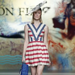 Vestido marinero de Ion Fiz en Madrid Fashion Week primavera/verano 2015