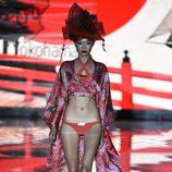 Conjunto de baño rojo de Andrés Sardá en Madrid Fashion Week primavera/verano 2015