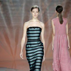 Vestido de rayas de Ailanto en Madrid Fashion Week primavera/verano 2015