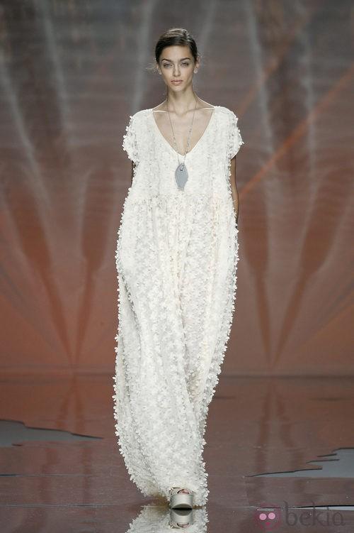 Vestido blanco de Ailanto en Madrid Fashion Week primavera/verano 2015