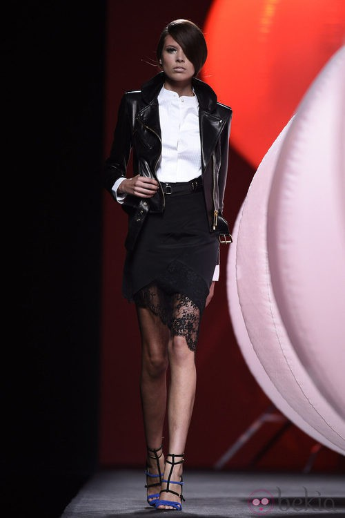 Chaqueta de cuero negra de Alvarno primavera/verano 2015 en Madrid Fashion Week