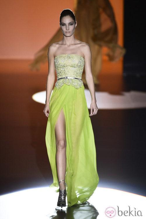 Vestido verde de Hannibal Laguna en Madrid Fashion Week primavera/verano 2015