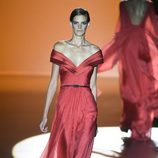 Vestido rojo de Hannibal Laguna en Madrid Fashion Week primavera/verano 2015