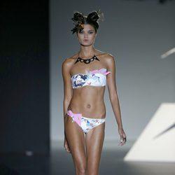 Bikini con pliegues de Dolores Cortés en Madrid Fashion Week para primavera/verano 2015