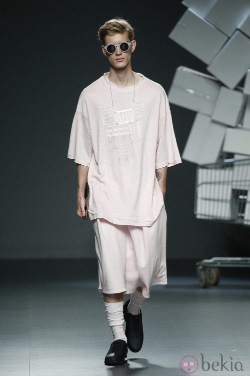 Conjunto 'oversize' de David Catalán en EGO Madrid Fashion Week primavera/verano 2015