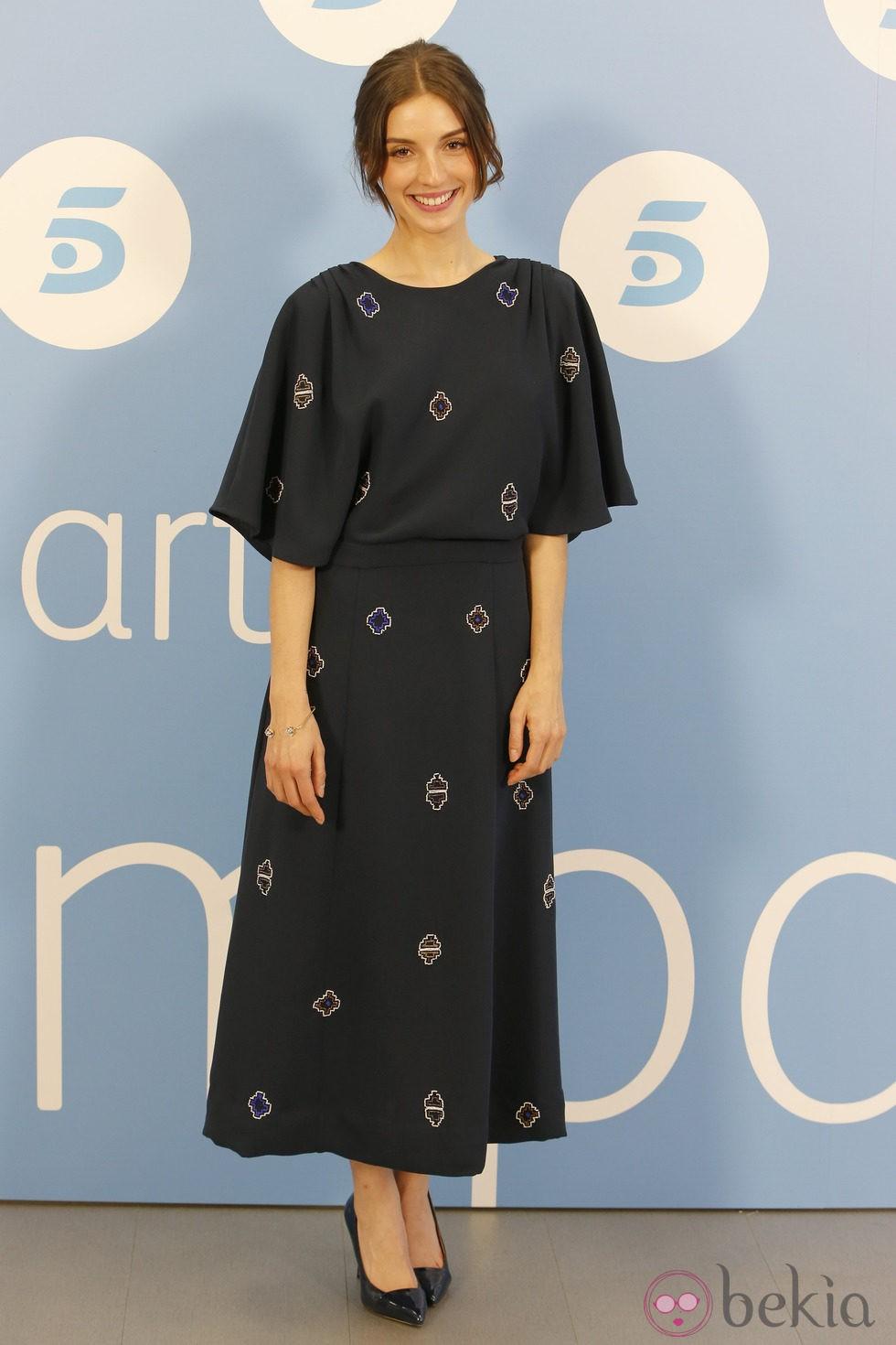 María Valverde en el estreno de 'Hermanos' con un vestido de &Other Stories