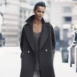Vestido lencero y abrigo de lana de H&M para otoño/invierno 2014