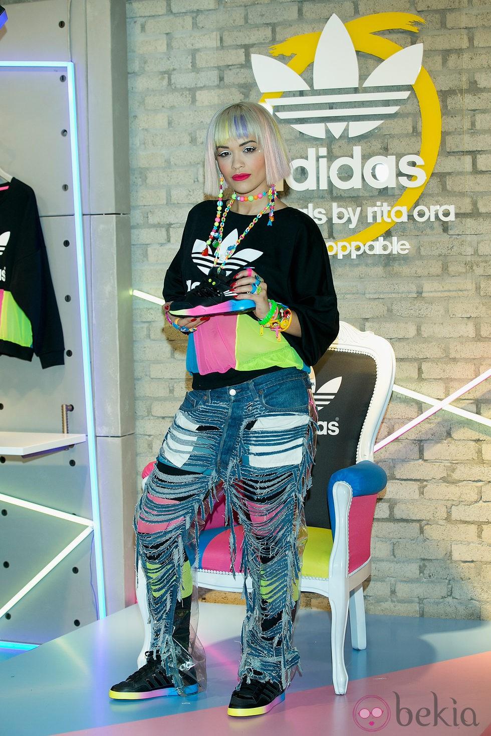 Rita Ora en la promoción de su colección con Adidas