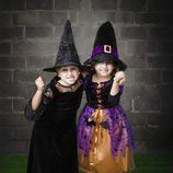 Dos disfraces de bruja para Halloween