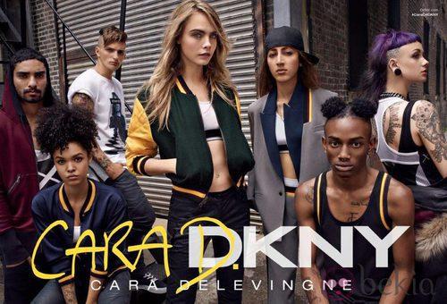 Cara Delevingne presenta su nueva colección para DKNY
