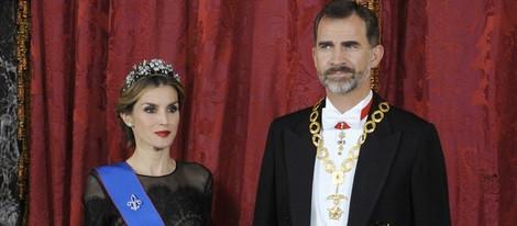Don Felipe y Doña Letizia en su primera cena de gala como Reyes de España
