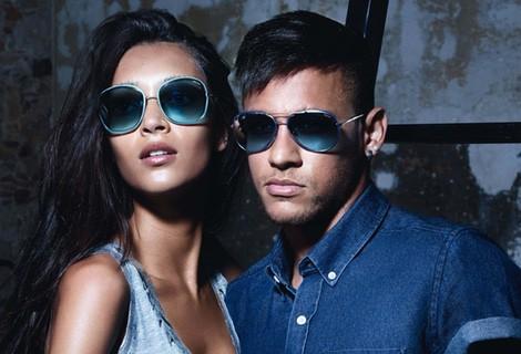 Neymar y la modelo Daniela de Jesús en la campaña 'Eyewear 2015' de Police
