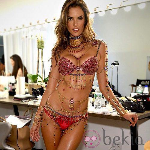 Alessandra Ambrosio, nueva imagen del 'Fantasy-Bra' 2014 de Victoria's Secret