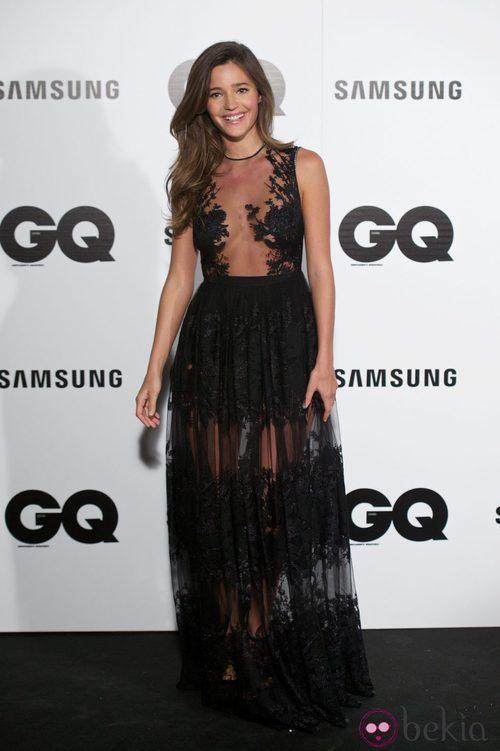 Malena Costa con un vestido con transparencias negras