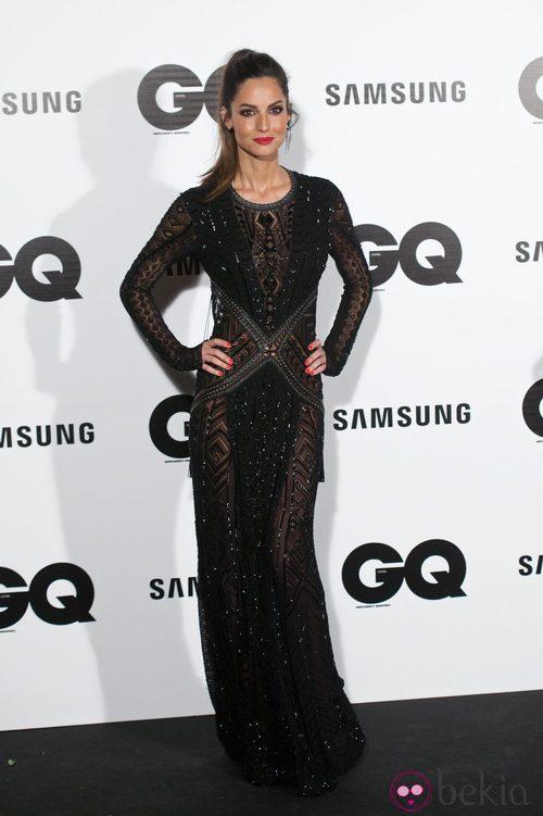 Ariadne Artiles con un vestido con transparencias negras