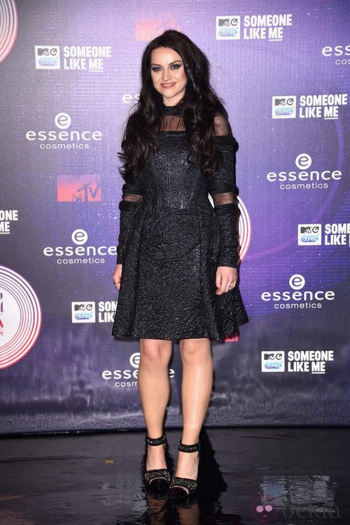 Amy MacDonald vestida de negro en los MTV EMA 2014