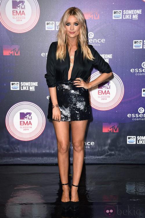 Laura Whitmore lució un conjunto 'total black' en los MTV EMA 2014