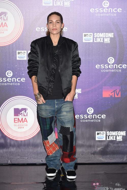 Skyler Grey con un look masculino en los MTV EMA 2014