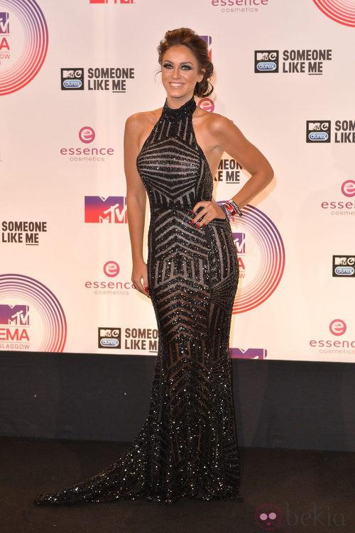Vicky Pattison lucio elegante vestido en los MTV EMA 2014