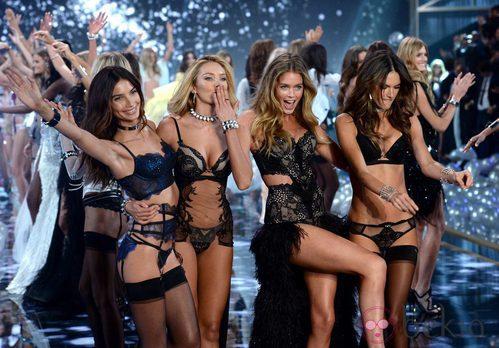Las modelos de Victoria's Secret despiden el show en Londres