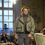 Jersey de punto, chaqueta de tweed y pantalones de la colección pre-fall 2015 de Chanel