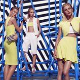 Jessica Stam posando con las prendas blancas y amarillas de la colección primavera/verano 2015 de Kocca