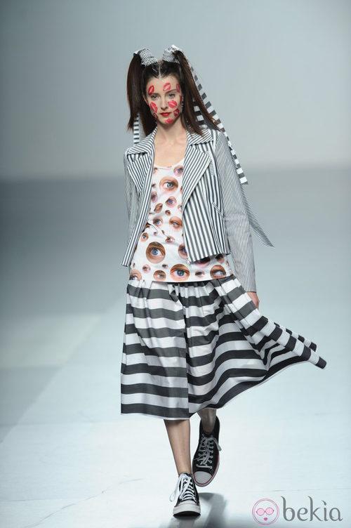 Falda y americana de rayas de Carlos Díez, colección primavera 2012