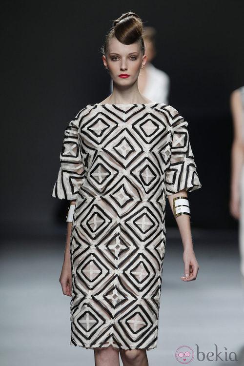 Vestido de mosaico de Juana Martín en Cibeles
